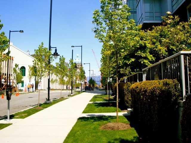 """Main Photo: 680 CITADEL PARADE in Vancouver: Downtown VW Townhouse for sale in """"SPECTRUM 3"""" (Vancouver West)  : MLS®# V859501"""