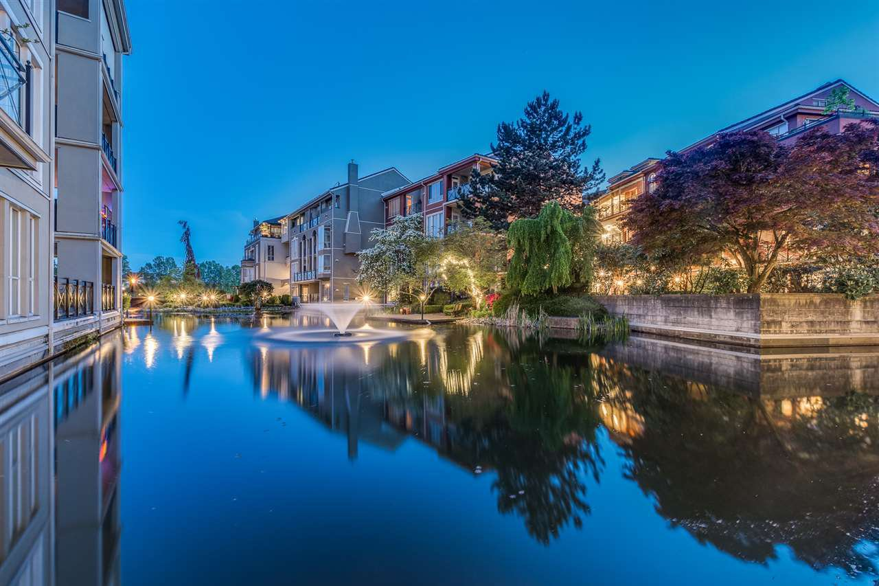 """Main Photo: 401 5 RENAISSANCE Square in New Westminster: Quay Condo for sale in """"The Lido"""" : MLS®# R2510781"""