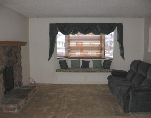 """Photo 2: Photos: 5228 TAMARACK in Fort_Nelson: Fort Nelson -Town House for sale in """"EAST SUB"""" (Fort Nelson (Zone 64))  : MLS®# N188217"""