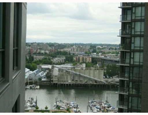 "Photo 4: Photos: 2101 1495 RICHARDS Street in Vancouver: False Creek North Condo for sale in ""AZURA II"" (Vancouver West)  : MLS®# V745960"