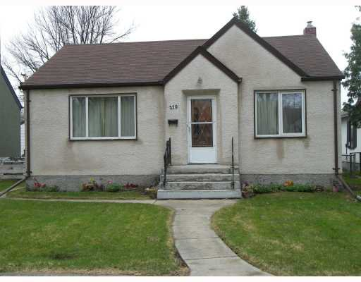 Main Photo: 270 CHELSEA Avenue in WINNIPEG: East Kildonan Residential for sale (North East Winnipeg)  : MLS®# 2909881