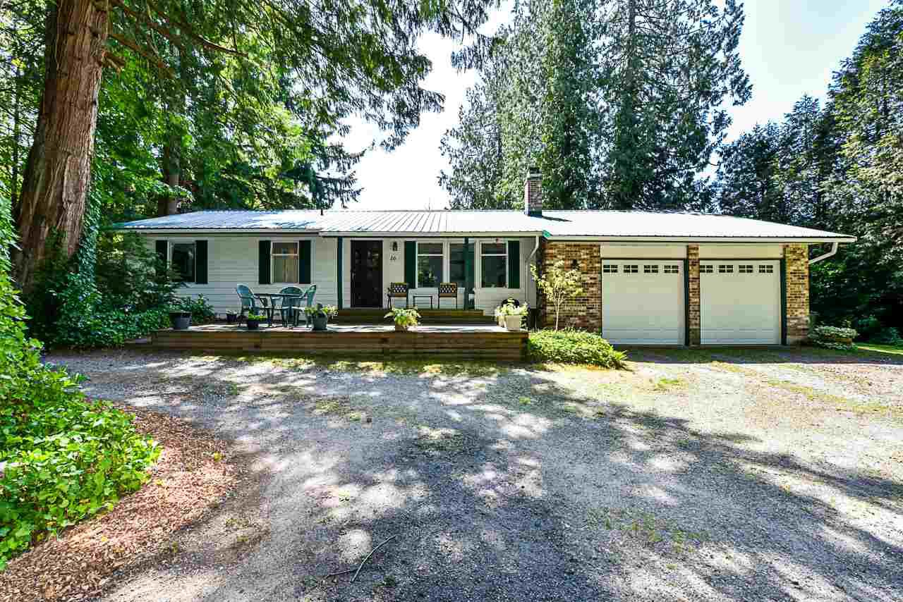 Main Photo: 16 CLOVERMEADOW Crescent in Langley: Salmon River House for sale : MLS®# R2395332