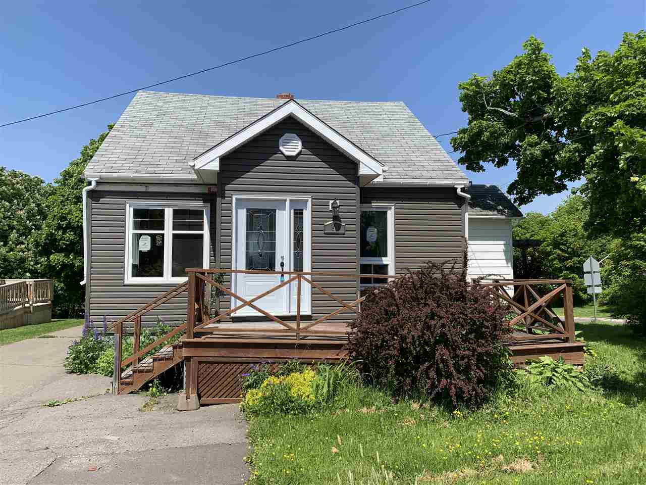 Main Photo: 53 Grandview Avenue in Trenton: 107-Trenton,Westville,Pictou Residential for sale (Northern Region)  : MLS®# 202010046