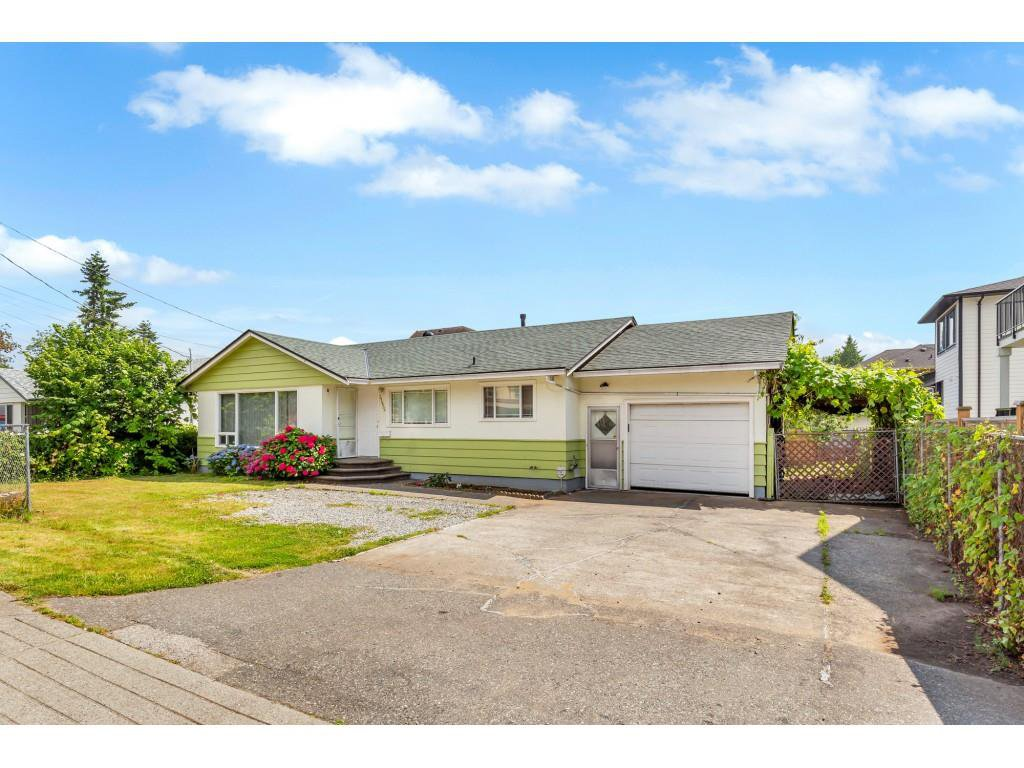 Main Photo: 31934 PEARDONVILLE Road in Abbotsford: Abbotsford West House for sale : MLS®# R2484379