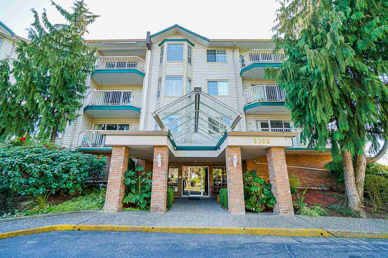 "Main Photo: 116 5360 205 Street in Langley: Langley City Condo for sale in ""Parkway Estates"" : MLS®# R2491402"