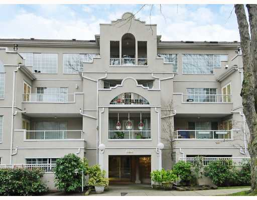 "Main Photo: 102 1525 PENDRELL Street in Vancouver: West End VW Condo for sale in ""CHARLOTTE GARDENS"" (Vancouver West)  : MLS®# V754405"