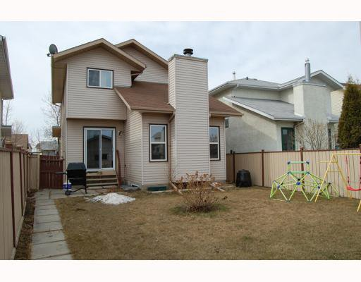 Photo 13: Photos: 906 ERIN WOODS Drive SE in CALGARY: Erinwoods Residential Detached Single Family for sale (Calgary)  : MLS®# C3374195