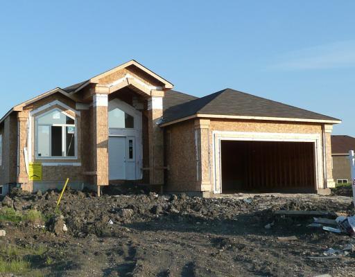 Main Photo: 114 EDENWOOD Place in WINNIPEG: Windsor Park / Southdale / Island Lakes Residential for sale (South East Winnipeg)  : MLS®# 2908991