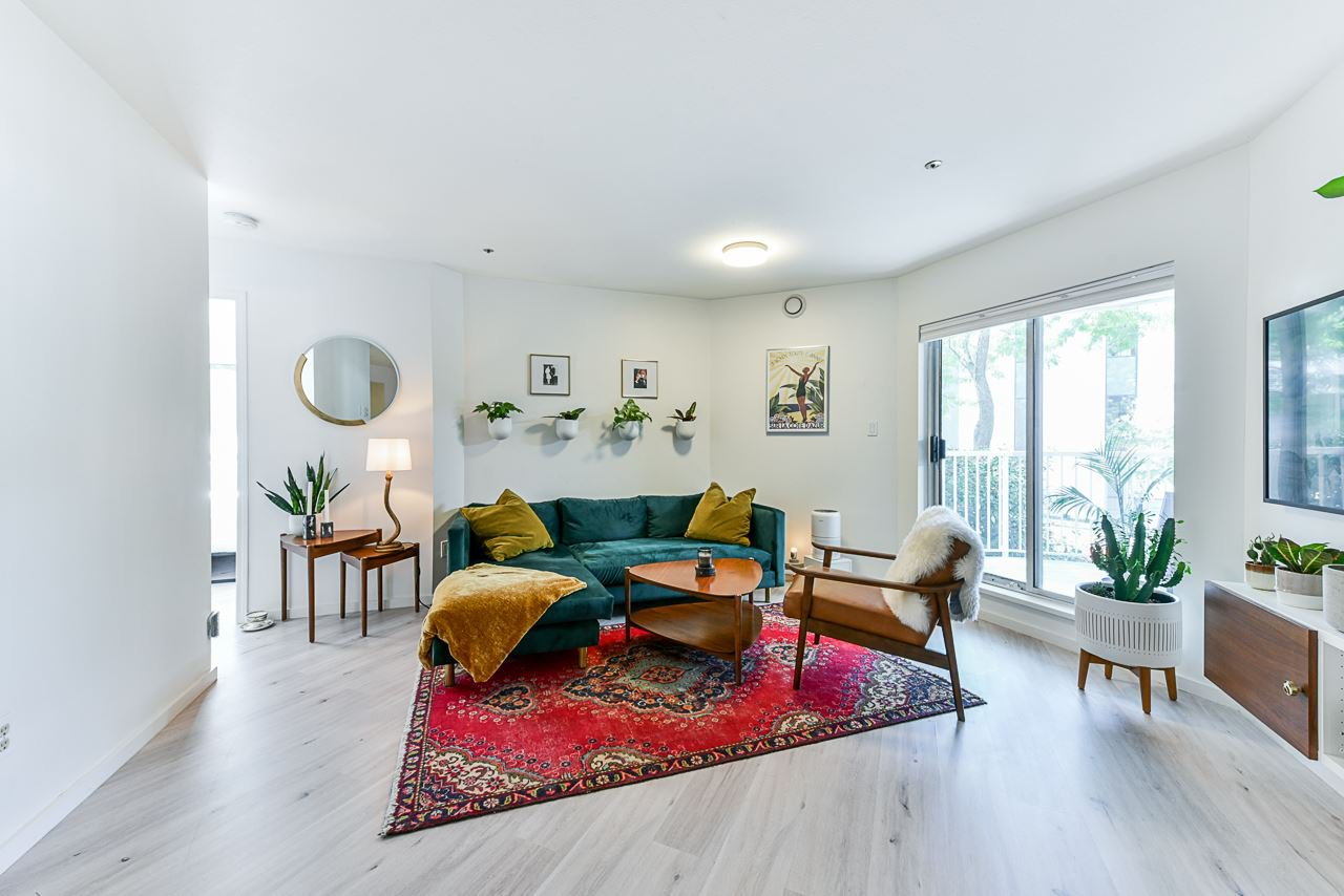 """Main Photo: 204 2023 FRANKLIN Street in Vancouver: Hastings Condo for sale in """"Leslie Point"""" (Vancouver East)  : MLS®# R2479396"""