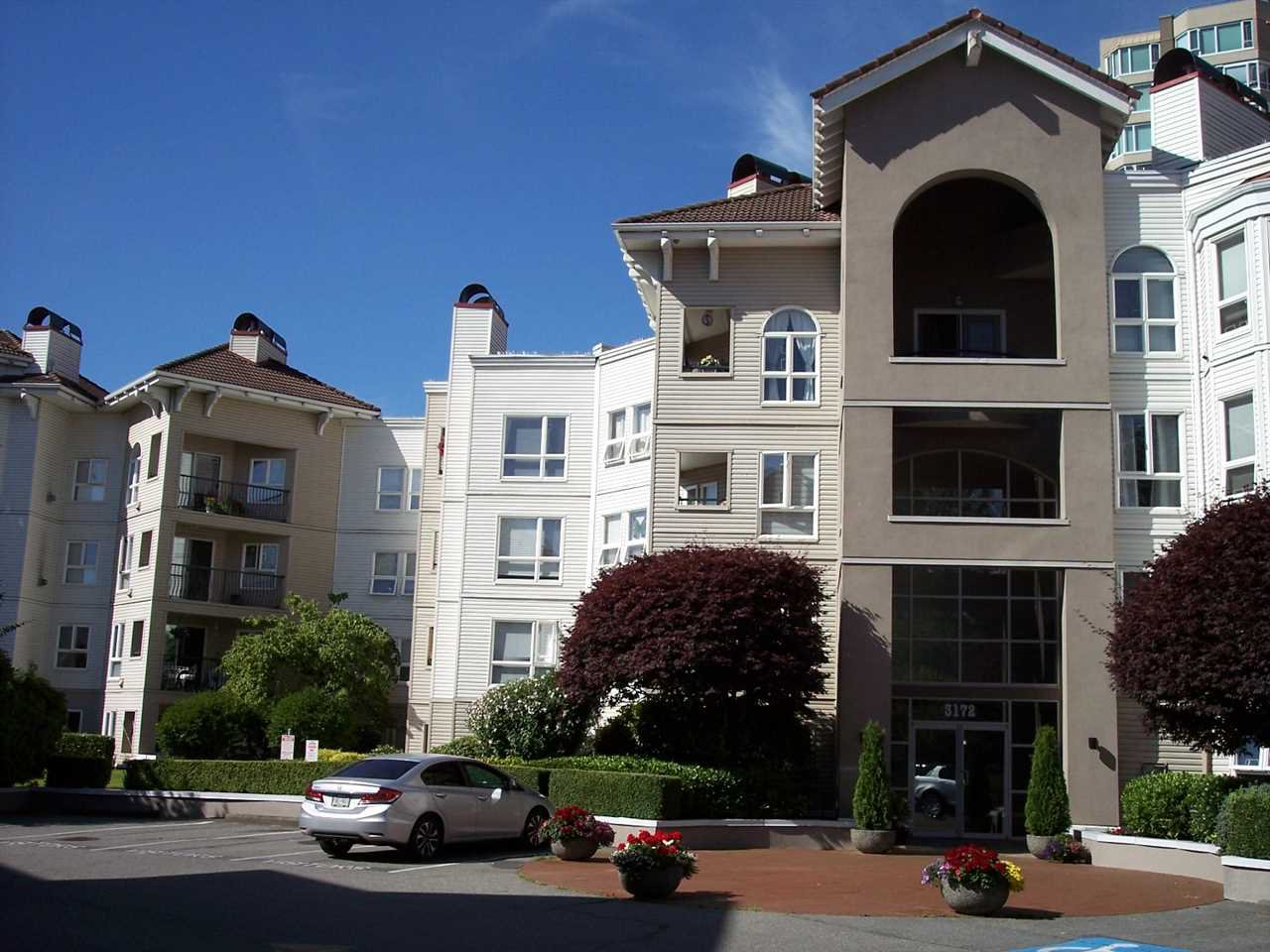 "Main Photo: 415 3172 GLADWIN Road in Abbotsford: Central Abbotsford Condo for sale in ""Regency Park"" : MLS®# R2480665"
