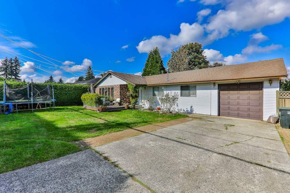 Main Photo: 19371 HAMMOND Road in Pitt Meadows: Central Meadows House for sale : MLS®# R2481575