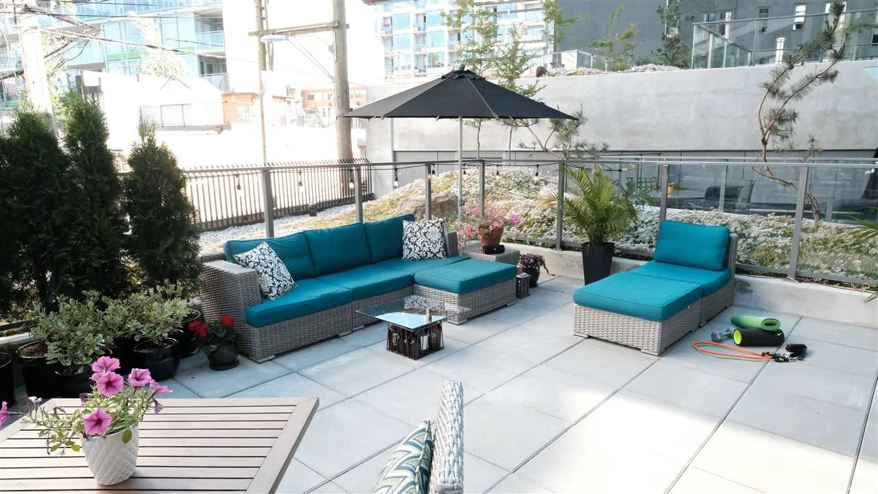 """Photo 2: Photos: 301 210 E 5TH Avenue in Vancouver: Mount Pleasant VE Condo for sale in """"Elenore"""" (Vancouver East)  : MLS®# R2487094"""