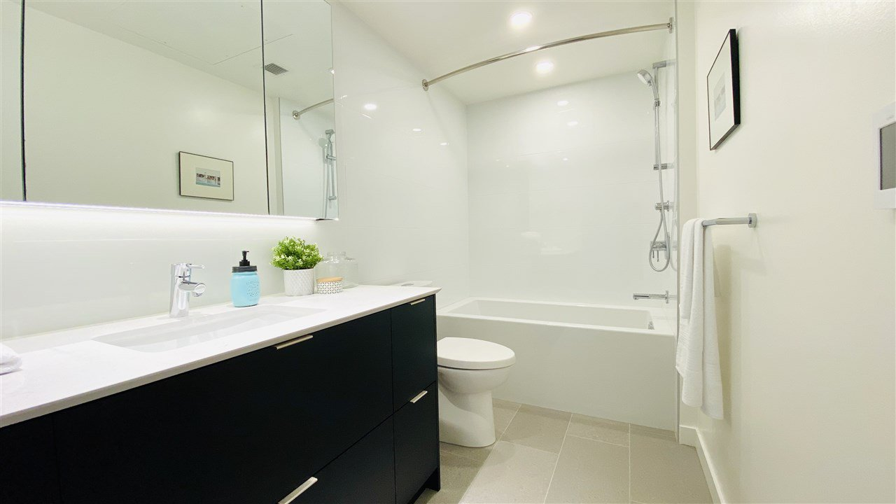 """Photo 16: Photos: 301 210 E 5TH Avenue in Vancouver: Mount Pleasant VE Condo for sale in """"Elenore"""" (Vancouver East)  : MLS®# R2487094"""