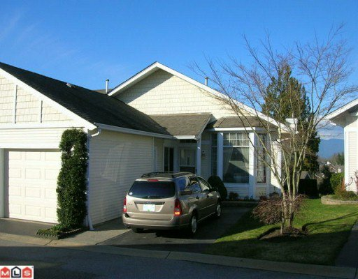 "Main Photo: 46 9012 WALNUT GROVE Drive in Langley: Walnut Grove Townhouse for sale in ""Queen Anne Green"" : MLS®# F1004107"