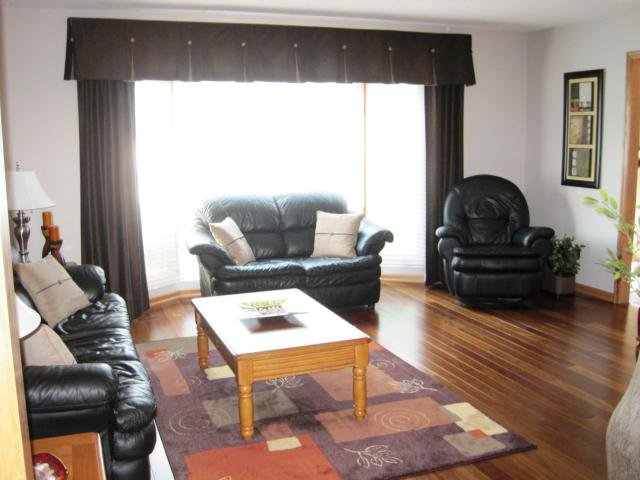 Photo 8: Photos: 144 KIRKBRIDGE Drive in WINNIPEG: Fort Garry / Whyte Ridge / St Norbert Residential for sale (South Winnipeg)  : MLS®# 1016371