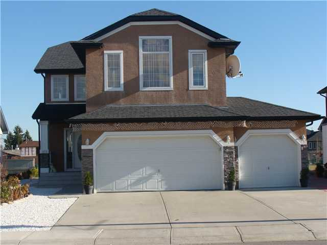 Main Photo: 520 Sandy Beach Cove: Chestermere Residential Detached Single Family for sale : MLS®# C3459433