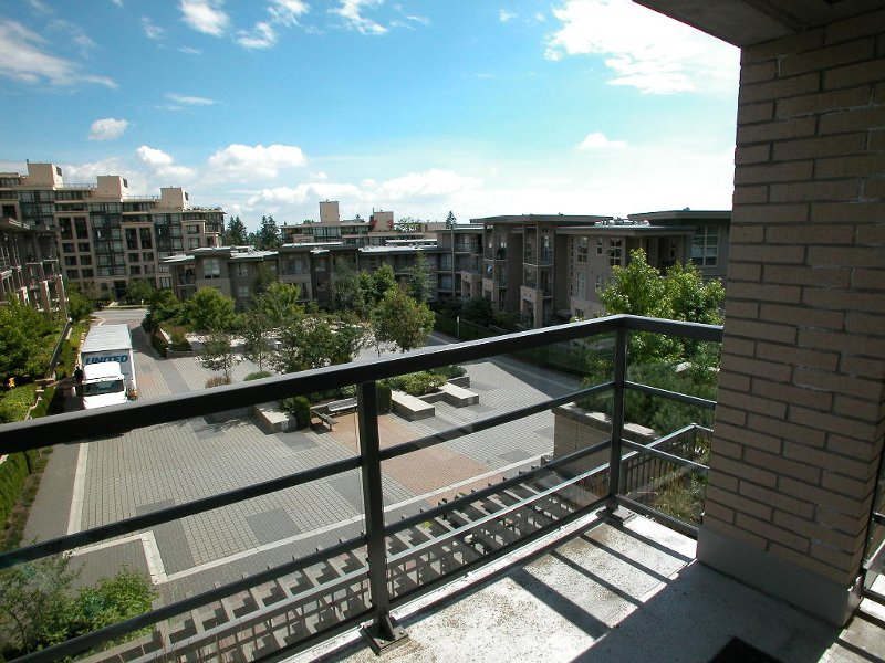 """Photo 3: Photos: 201 9329 UNIVERSITY Crescent in Burnaby: Simon Fraser Univer. Condo for sale in """"HARMONY"""" (Burnaby North)  : MLS®# V747030"""