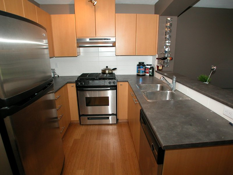 """Photo 6: Photos: 201 9329 UNIVERSITY Crescent in Burnaby: Simon Fraser Univer. Condo for sale in """"HARMONY"""" (Burnaby North)  : MLS®# V747030"""