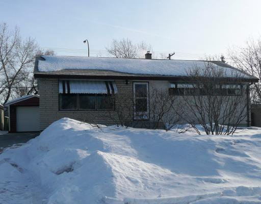 Main Photo: 79 VINCENT MASSEY Boulevard in WINNIPEG: Windsor Park / Southdale / Island Lakes Residential for sale (South East Winnipeg)  : MLS®# 2903595