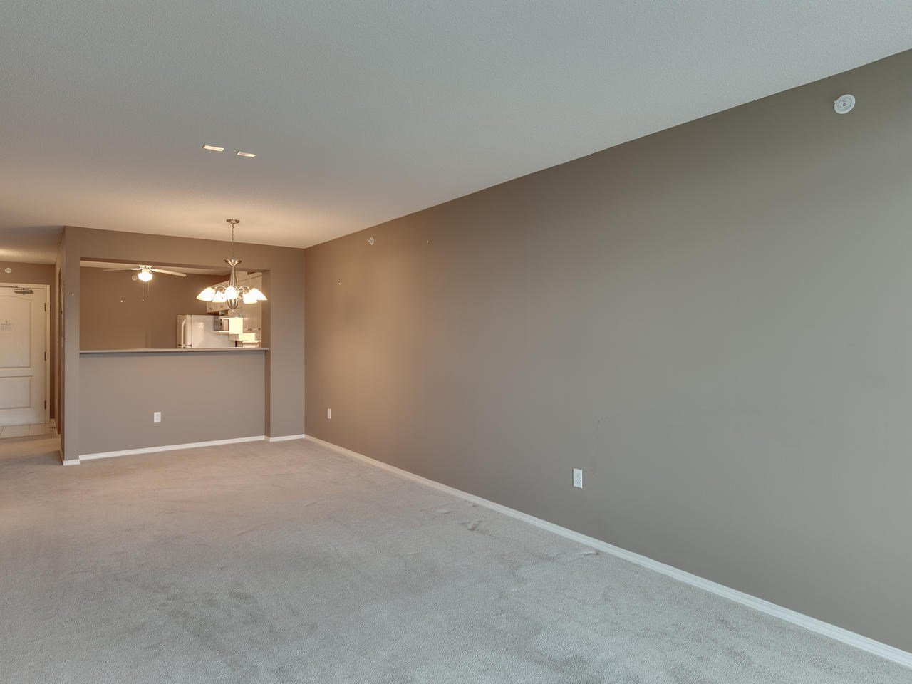 """Photo 13: Photos: 404 12148 224 Street in Maple Ridge: East Central Condo for sale in """"Panorama"""" : MLS®# R2461995"""