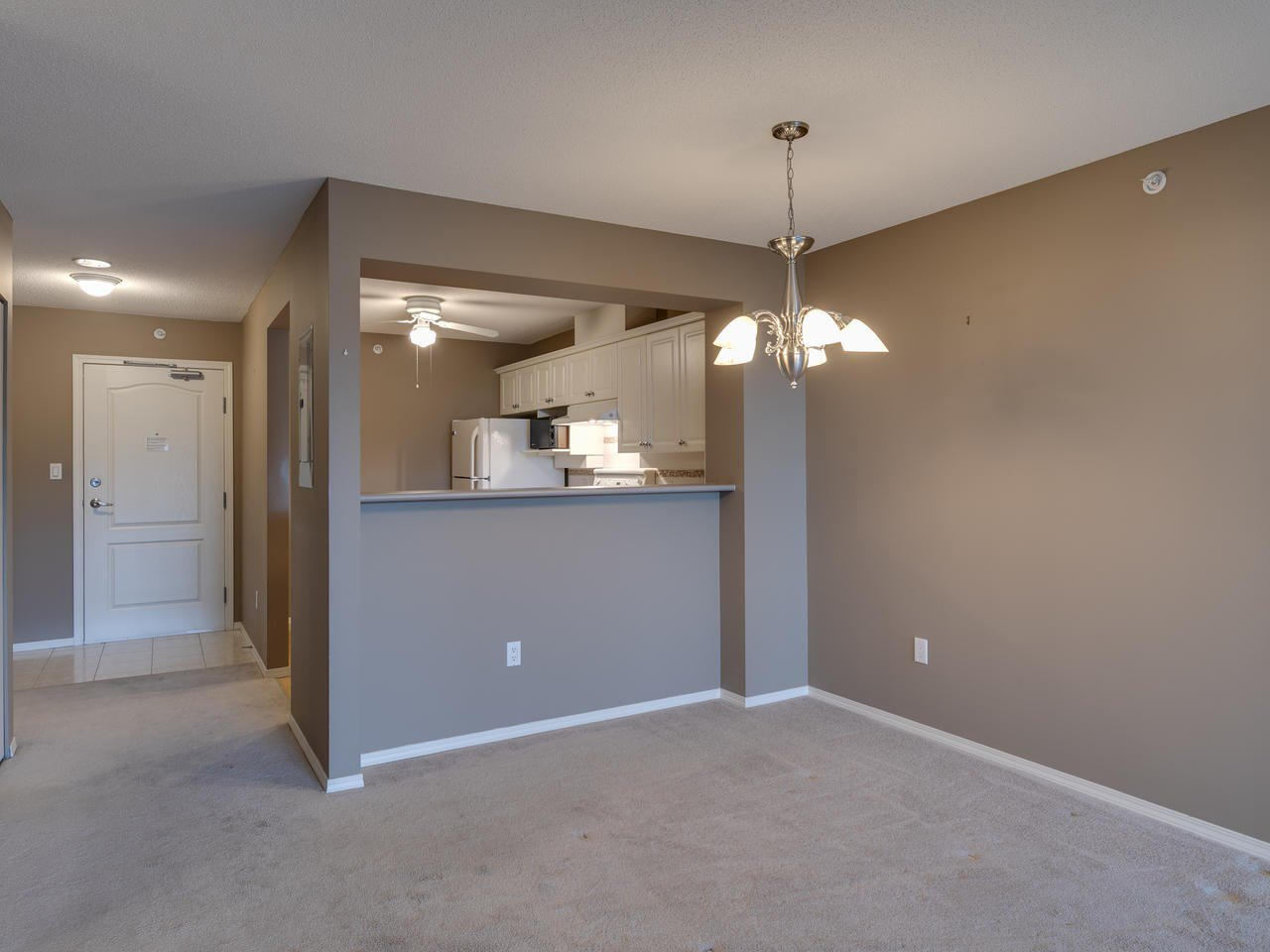 """Photo 15: Photos: 404 12148 224 Street in Maple Ridge: East Central Condo for sale in """"Panorama"""" : MLS®# R2461995"""