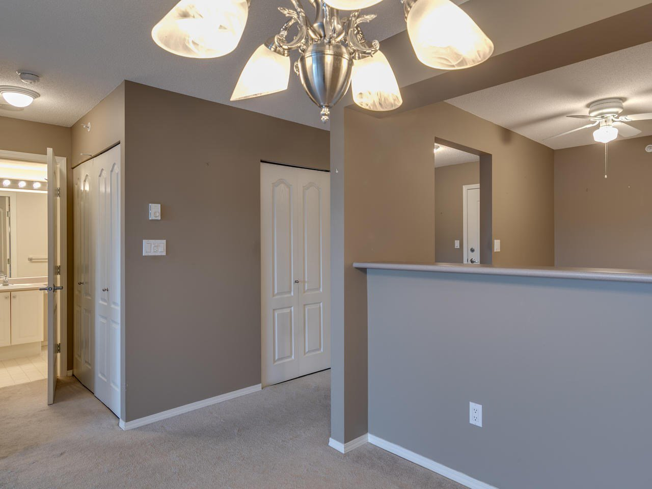 """Photo 18: Photos: 404 12148 224 Street in Maple Ridge: East Central Condo for sale in """"Panorama"""" : MLS®# R2461995"""