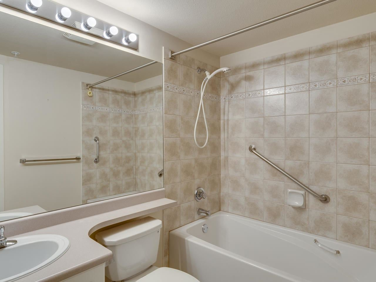 """Photo 25: Photos: 404 12148 224 Street in Maple Ridge: East Central Condo for sale in """"Panorama"""" : MLS®# R2461995"""