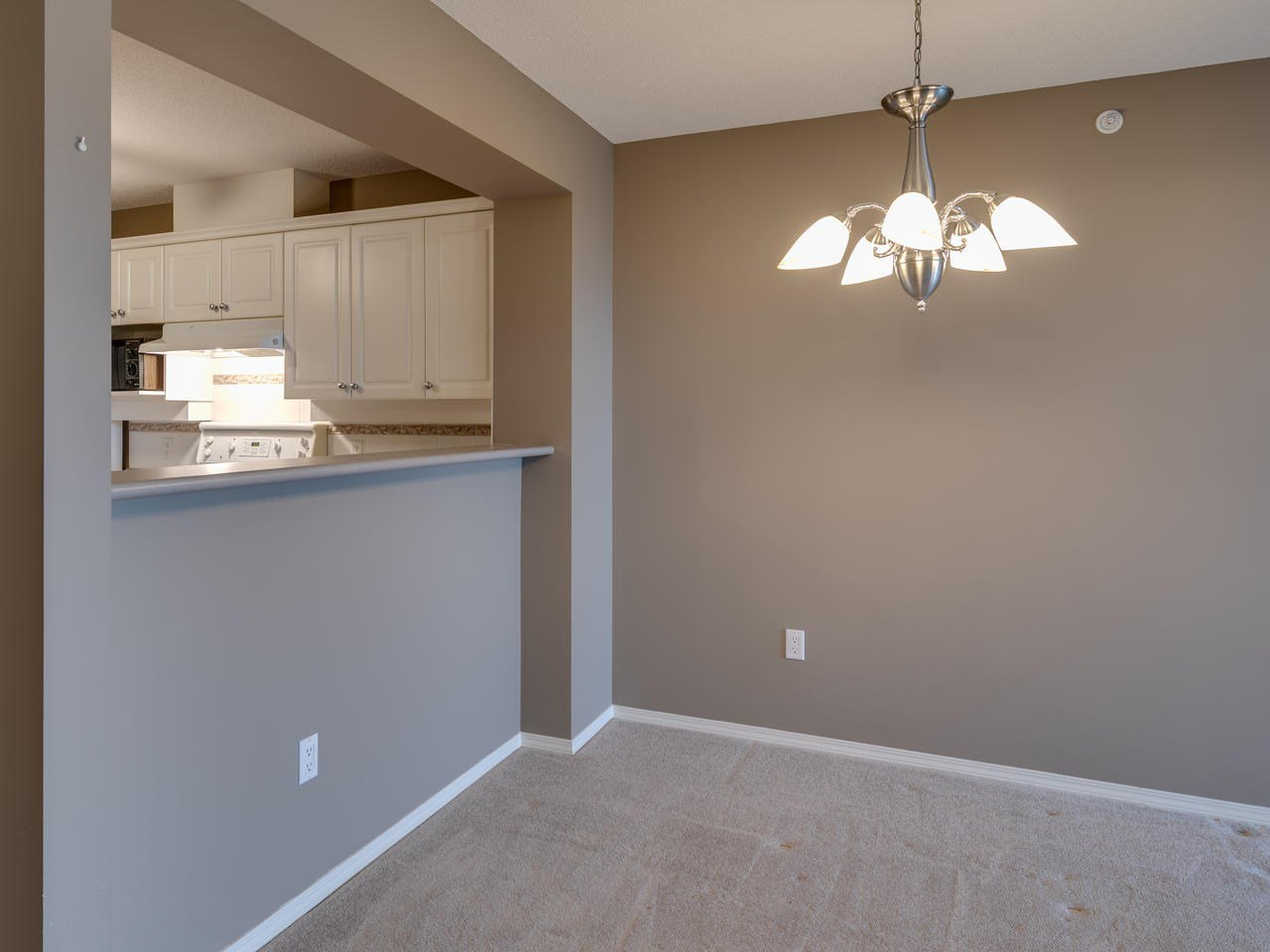 """Photo 16: Photos: 404 12148 224 Street in Maple Ridge: East Central Condo for sale in """"Panorama"""" : MLS®# R2461995"""