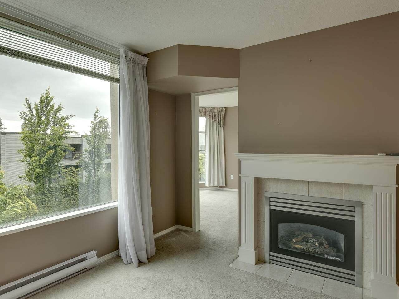 """Photo 12: Photos: 404 12148 224 Street in Maple Ridge: East Central Condo for sale in """"Panorama"""" : MLS®# R2461995"""