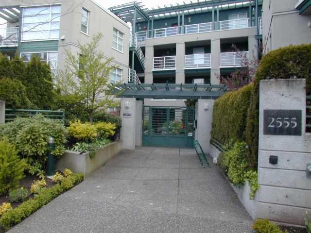 """Main Photo: 304 2555 W 4TH Avenue in Vancouver: Kitsilano Condo for sale in """"SEAGATE"""" (Vancouver West)  : MLS®# V818549"""