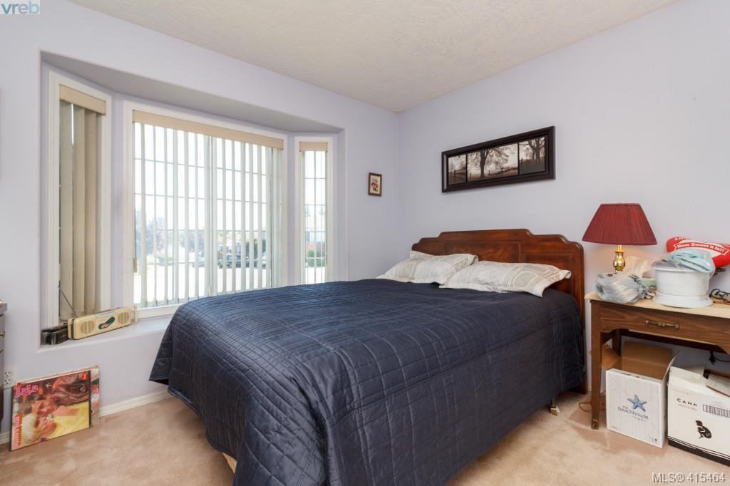 Photo 18: Photos: 61 Salmon Crt in VICTORIA: VR Glentana Manufactured Home for sale (View Royal)  : MLS®# 824126