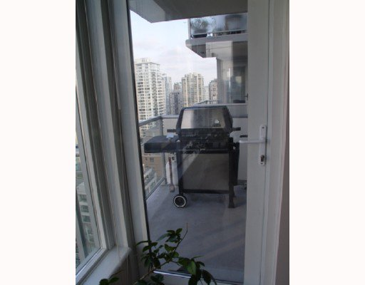 """Photo 6: Photos: 1802 1001 RICHARDS Street in Vancouver: Downtown VW Condo for sale in """"MIRO"""" (Vancouver West)  : MLS®# V787481"""