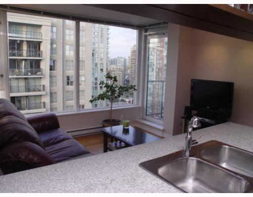 """Photo 5: Photos: 1802 1001 RICHARDS Street in Vancouver: Downtown VW Condo for sale in """"MIRO"""" (Vancouver West)  : MLS®# V787481"""
