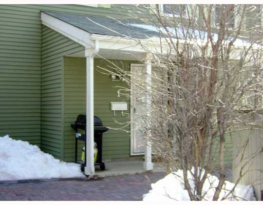 Main Photo:  in WINNIPEG: River Heights / Tuxedo / Linden Woods Condominium for sale (South Winnipeg)  : MLS®# 2905572