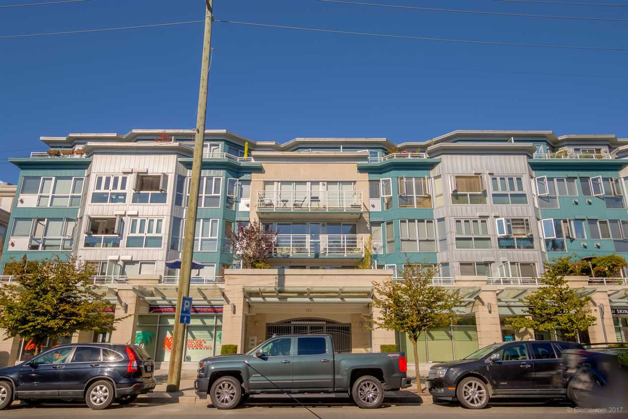 "Main Photo: 408 122 E 3RD Street in North Vancouver: Lower Lonsdale Condo for sale in ""SAUSALITO"" : MLS®# R2393427"