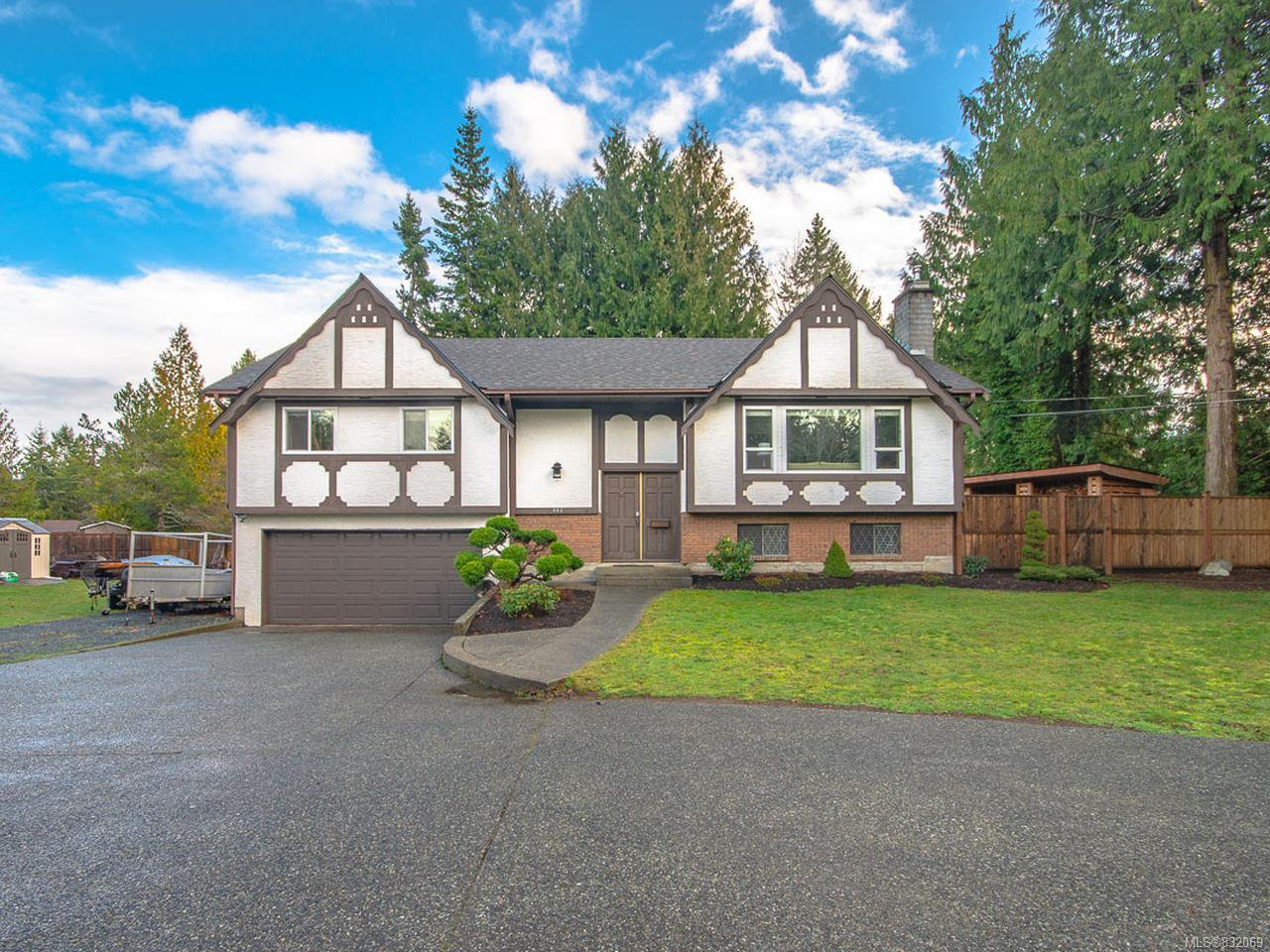 Main Photo: 802 Terrien Way in PARKSVILLE: PQ Parksville Single Family Detached for sale (Parksville/Qualicum)  : MLS®# 832069