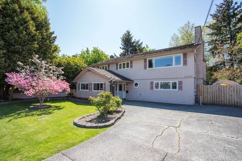 Main Photo: 4260 COLDFALL Road in Richmond: Boyd Park House for sale : MLS®# R2445614