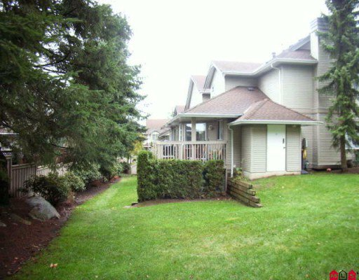 """Photo 6: Photos: 410 13900 HYLAND Road in Surrey: East Newton Townhouse for sale in """"HYLAND GROVE"""" : MLS®# F2927615"""