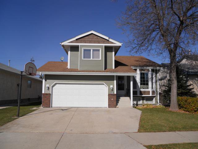 Main Photo: 11 Alberhill Crescent in WINNIPEG: North Kildonan Residential for sale (North East Winnipeg)  : MLS®# 1020108