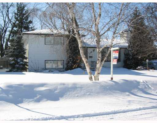 Main Photo: 19 CAMEO Crescent in WINNIPEG: North Kildonan Residential for sale (North East Winnipeg)  : MLS®# 2902585