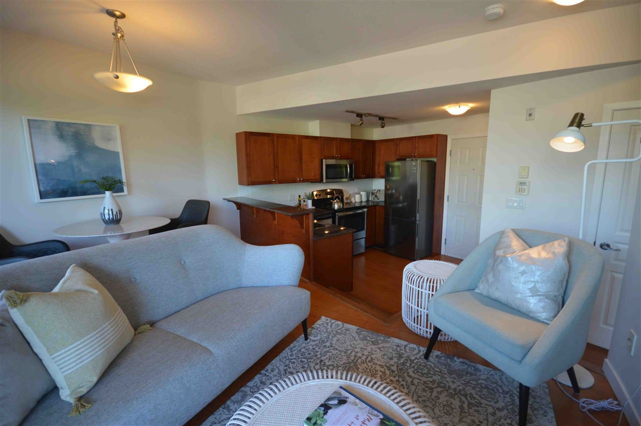 """Photo 3: Photos: PH2 3089 OAK Street in Vancouver: Fairview VW Condo for sale in """"THE OAKS"""" (Vancouver West)  : MLS®# R2415953"""