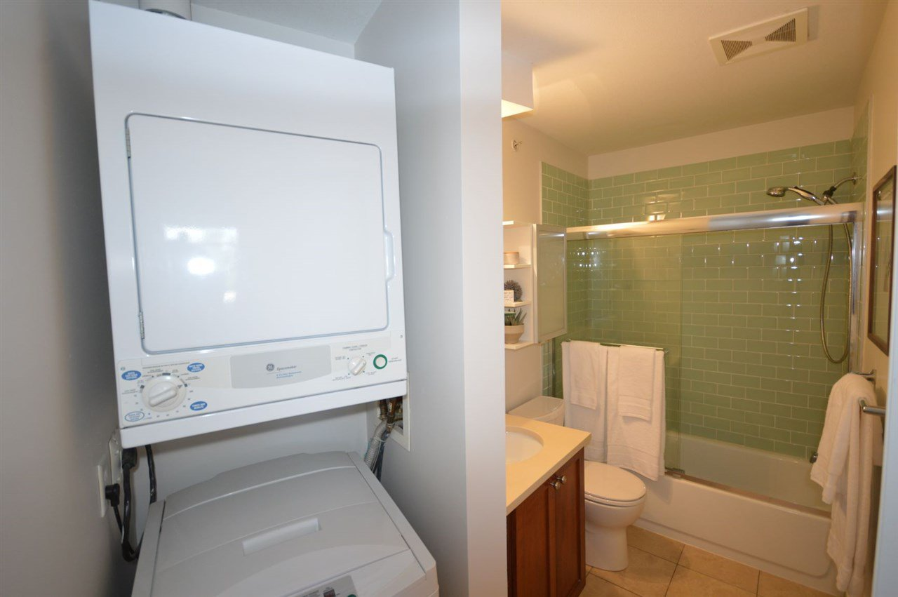 """Photo 15: Photos: PH2 3089 OAK Street in Vancouver: Fairview VW Condo for sale in """"THE OAKS"""" (Vancouver West)  : MLS®# R2415953"""