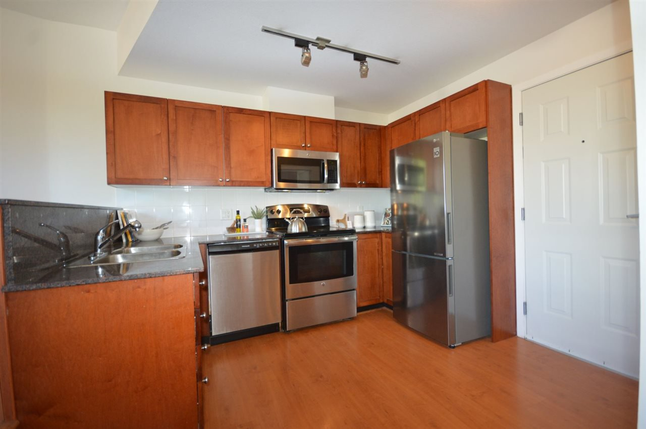 """Photo 10: Photos: PH2 3089 OAK Street in Vancouver: Fairview VW Condo for sale in """"THE OAKS"""" (Vancouver West)  : MLS®# R2415953"""