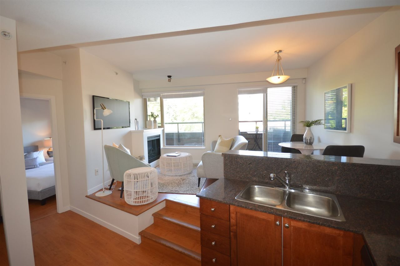 """Photo 8: Photos: PH2 3089 OAK Street in Vancouver: Fairview VW Condo for sale in """"THE OAKS"""" (Vancouver West)  : MLS®# R2415953"""