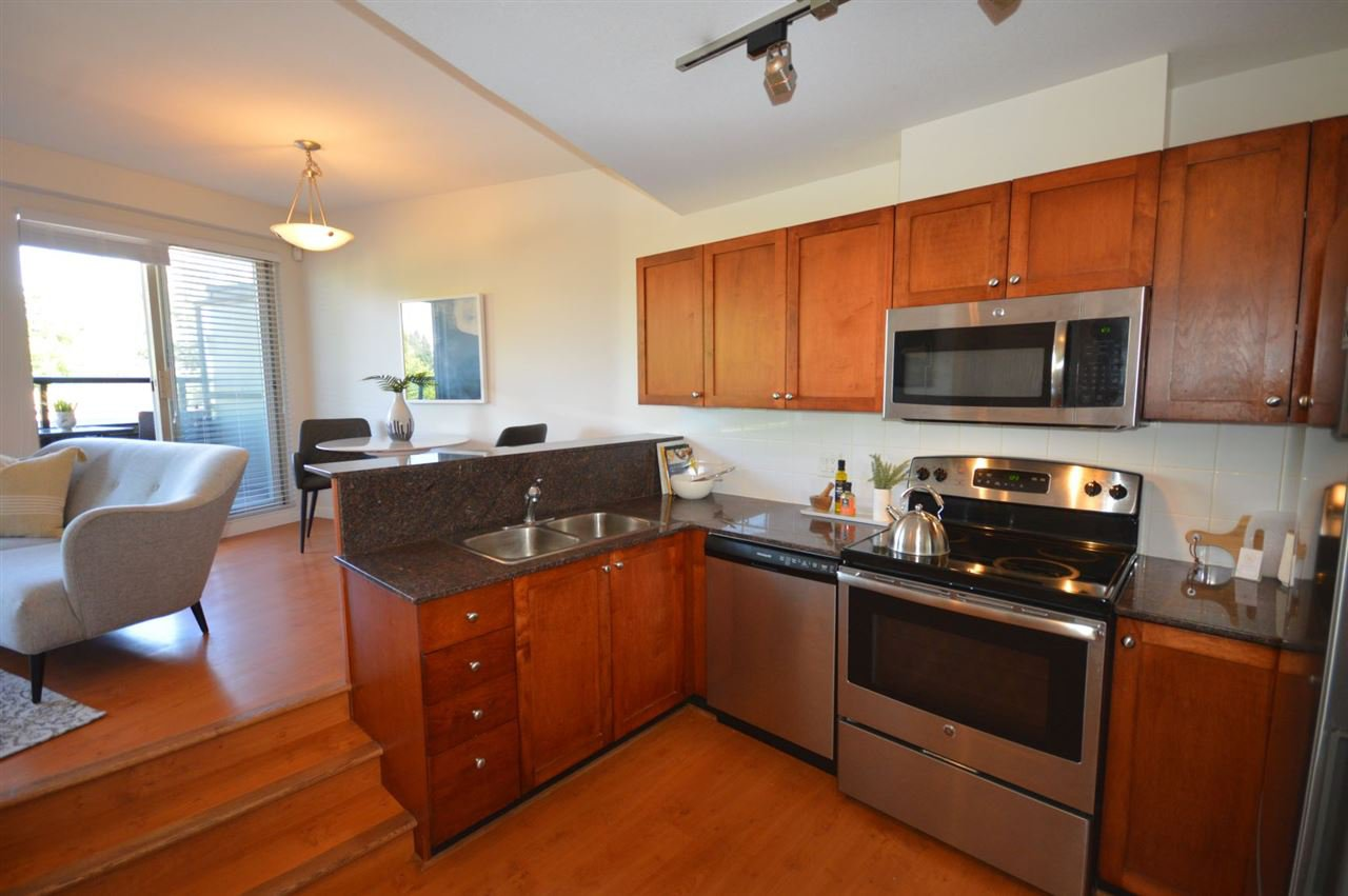 """Photo 9: Photos: PH2 3089 OAK Street in Vancouver: Fairview VW Condo for sale in """"THE OAKS"""" (Vancouver West)  : MLS®# R2415953"""