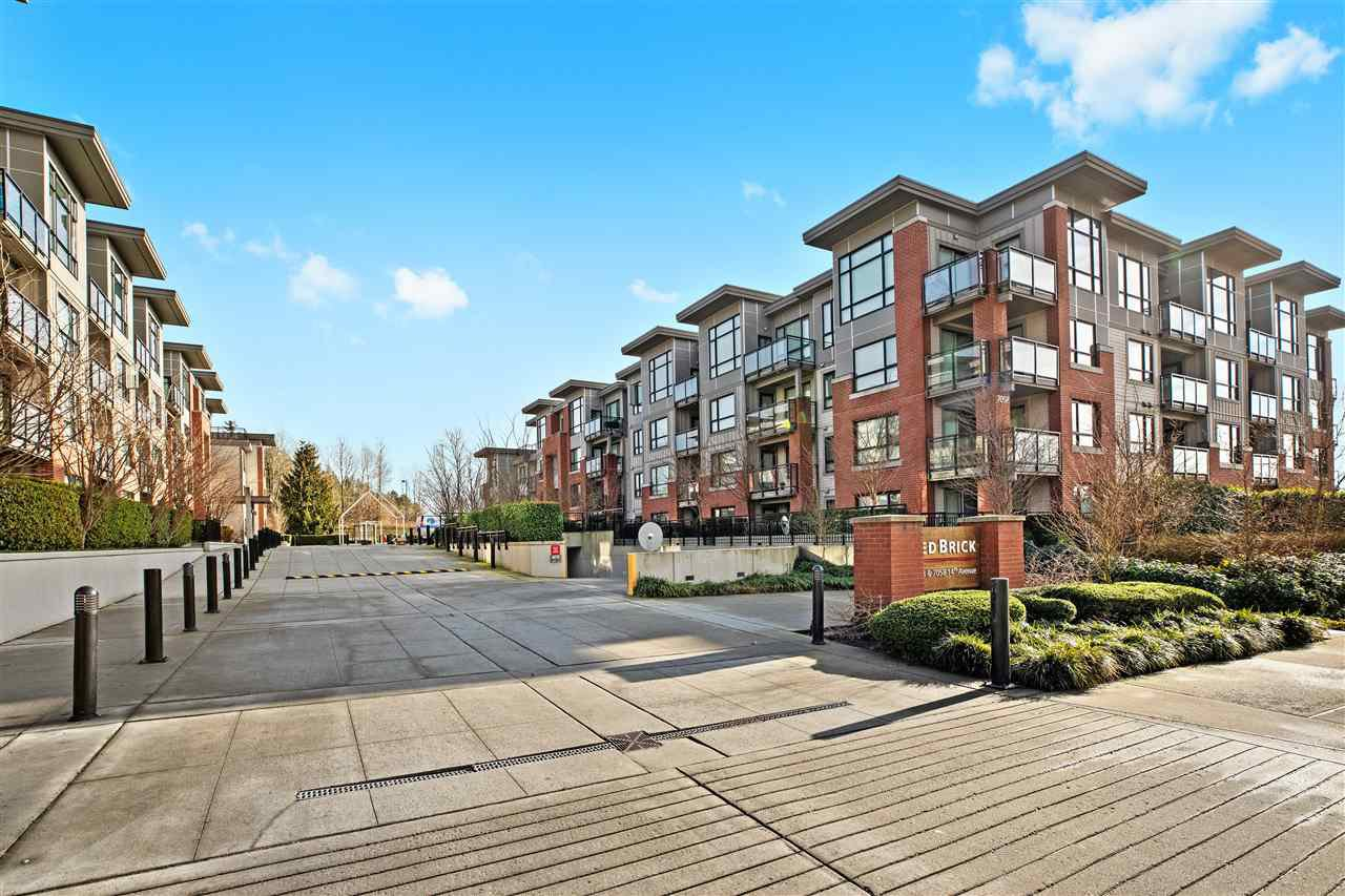 "Main Photo: 324 7058 14TH Avenue in Burnaby: Edmonds BE Condo for sale in ""Red Brick"" (Burnaby East)  : MLS®# R2433185"