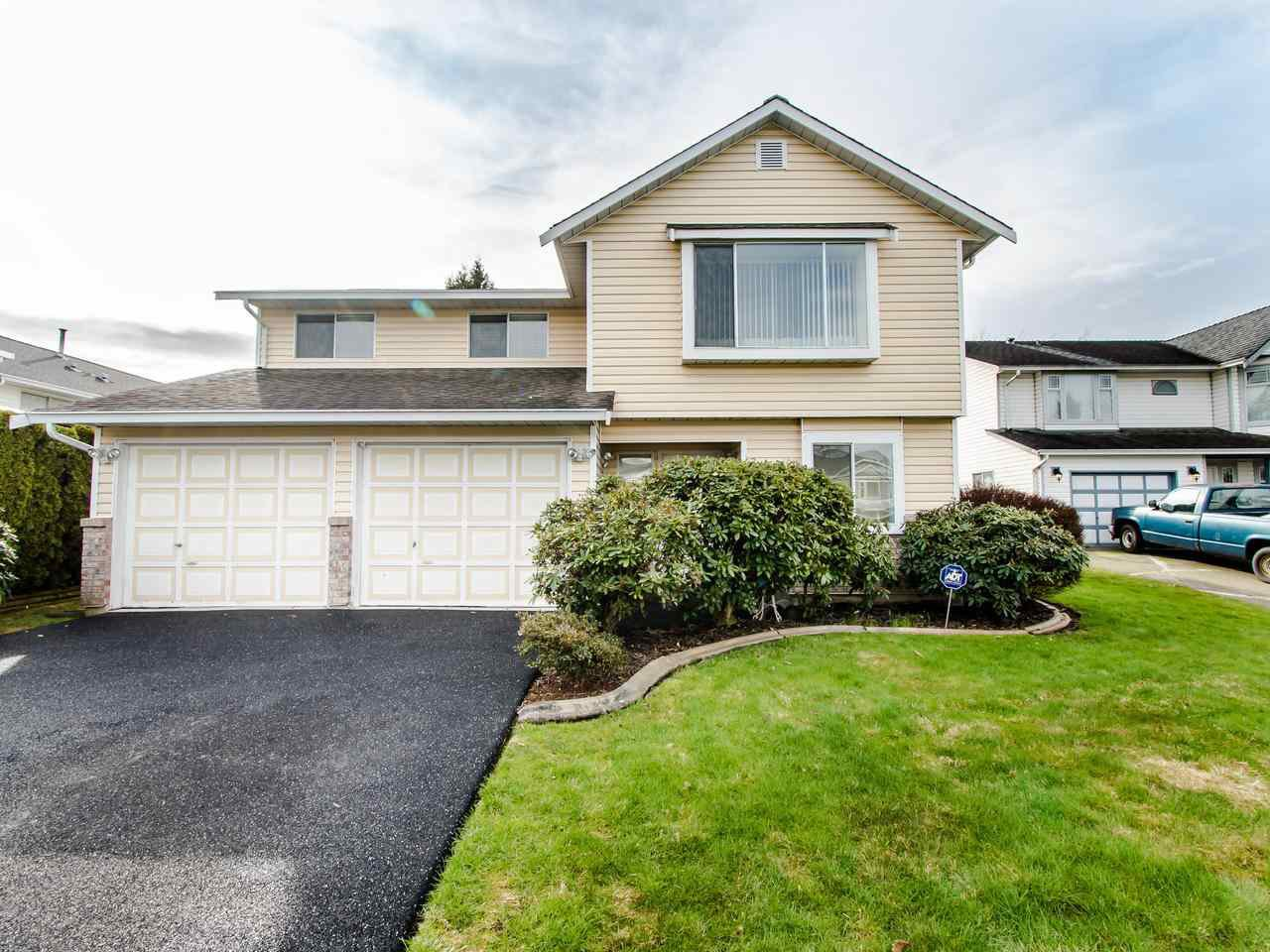 "Main Photo: 21254 89B Avenue in Langley: Walnut Grove House for sale in ""Walnut Grove"" : MLS®# R2439345"