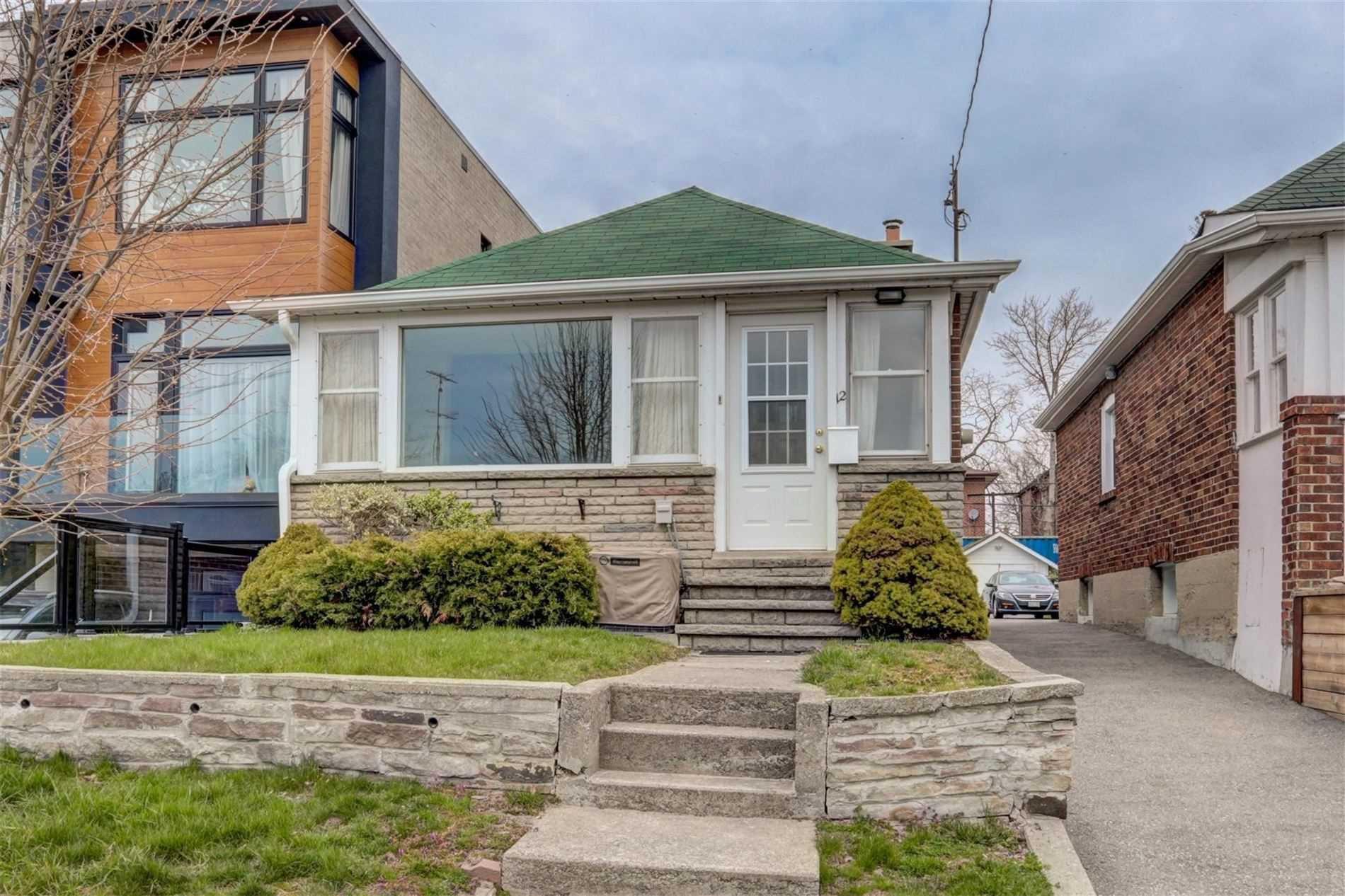 Main Photo: 12 Villa Road in Toronto: Long Branch House (Bungalow) for sale (Toronto W06)  : MLS®# W4749750