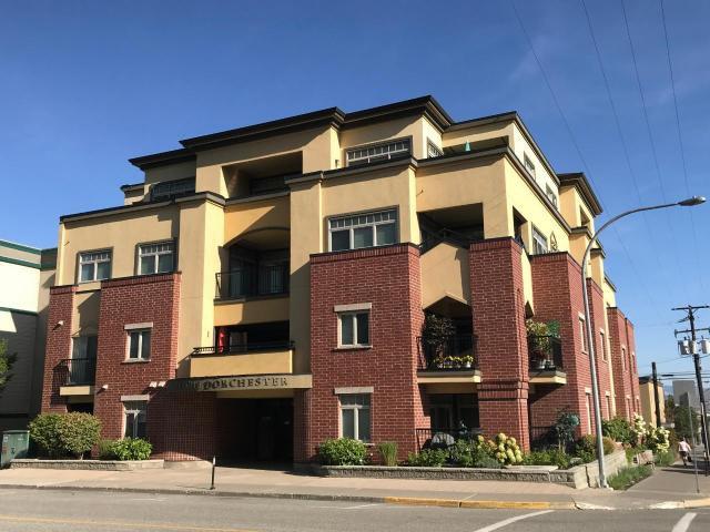 Main Photo: 301 370 Battle St: Townhouse for sale : MLS®# 153094