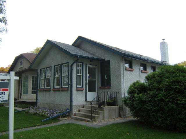 Main Photo: 820 DUDLEY Avenue in WINNIPEG: Fort Rouge / Crescentwood / Riverview Residential for sale (South Winnipeg)  : MLS®# 1018815